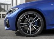 Check Out the Self-Aligning Wheel Caps on the 2019 BMW 3 Series - image 798269