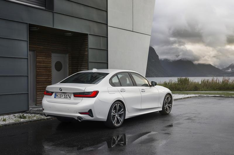 Believe It or Not, the 2019 BMW 3 Series is Bigger than an E39 5 Series - image 798162
