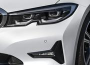 Check Out the Self-Aligning Wheel Caps on the 2019 BMW 3 Series - image 798164