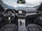Check Out the Self-Aligning Wheel Caps on the 2019 BMW 3 Series - image 798132