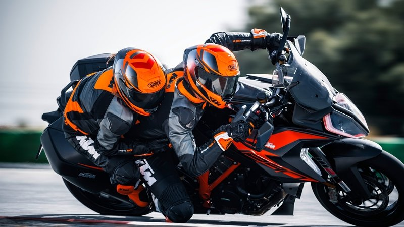 2019 KTM 1290 Super Duke GT - image 799922