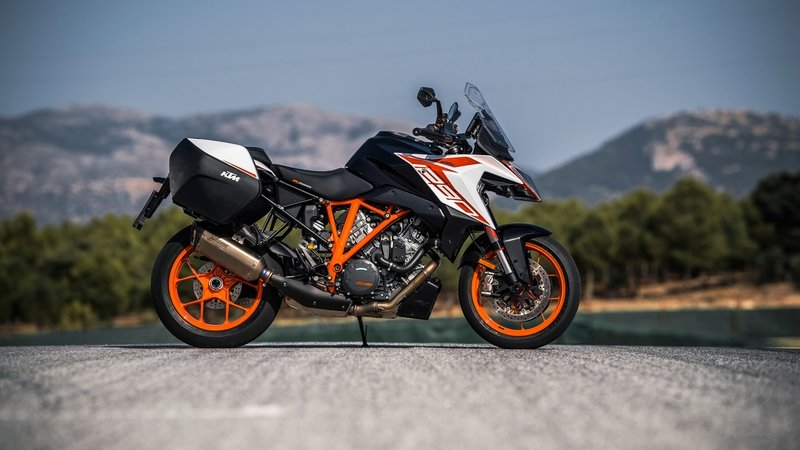 2019 KTM 1290 Super Duke GT - image 799924