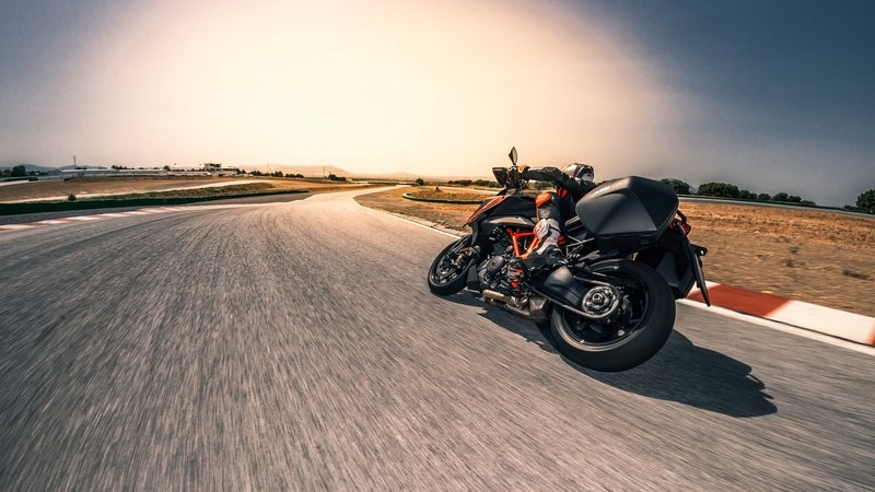 2019 KTM 1290 Super Duke GT - image 799926