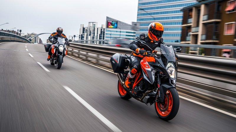 2019 KTM 1290 Super Duke GT - image 799929