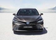 2020 Toyota Camry arrives in Europe - What are its chances against the Skoda Superb? - image 798709