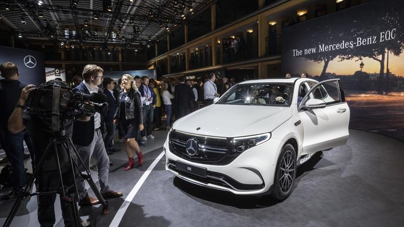 2020 Mercedes-Benz GLE Throws a Party Ahead of Paris Debut