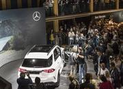 2020 Mercedes-Benz GLE Throws a Party Ahead of Paris Debut - image 797844