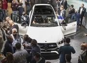 2020 Mercedes-Benz GLE Throws a Party Ahead of Paris Debut - image 797845