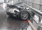 An Audi R8 Was Literally Ripped in Half After Colliding with a Volkswagen Van - image 802232