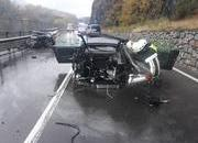 An Audi R8 Was Literally Ripped in Half After Colliding with a Volkswagen Van - image 802236