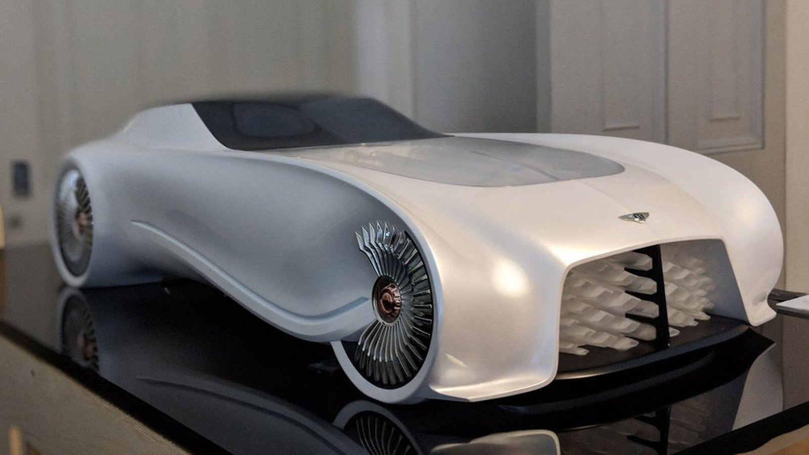London S Top Design Students Showcase The Bentley Of 2050