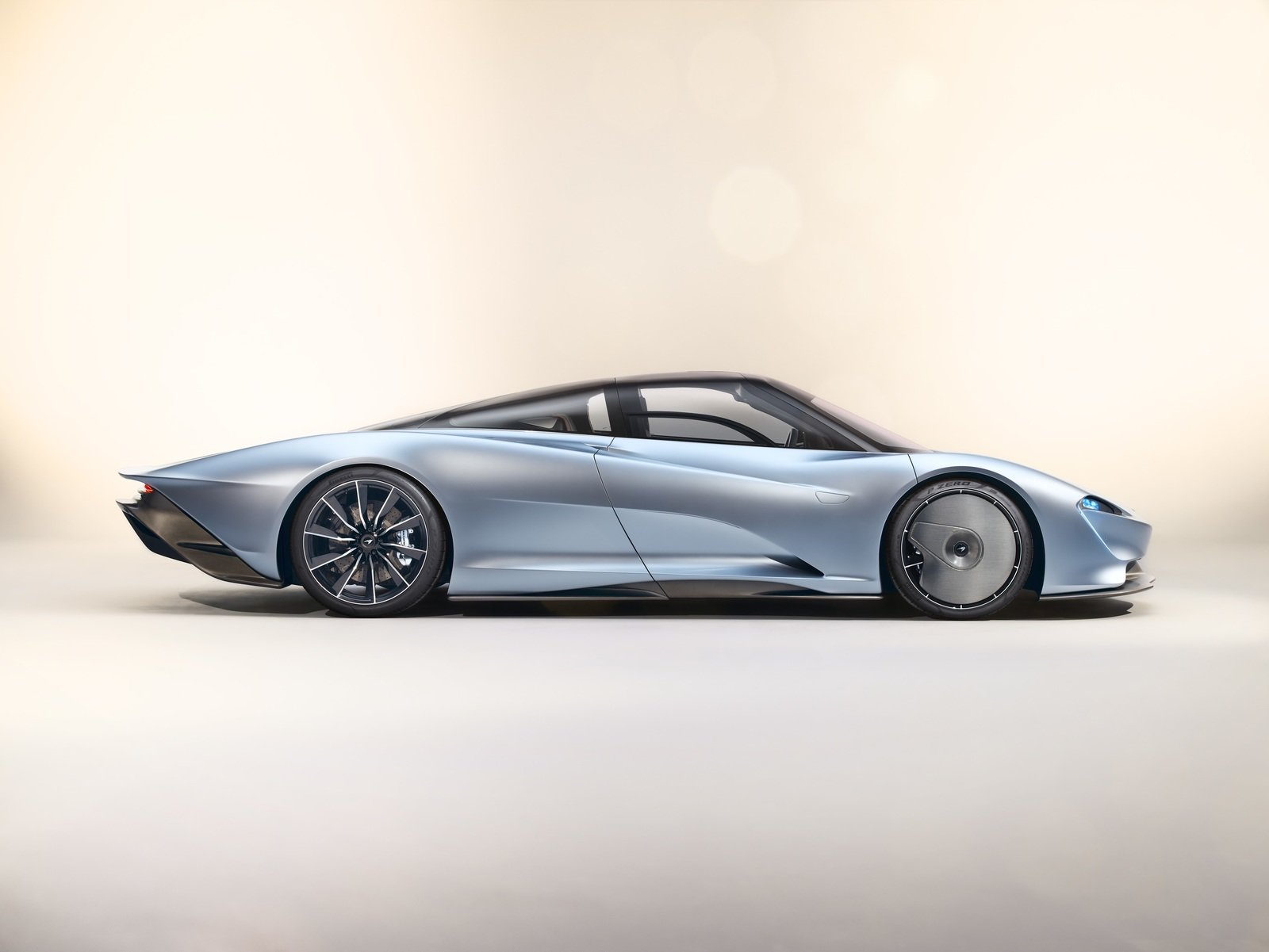 16 Astonishing Facts About The New McLaren Speedtail Hyper ...