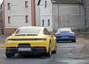 Porsche 911 992 caught testing next to the 991 - image 801605