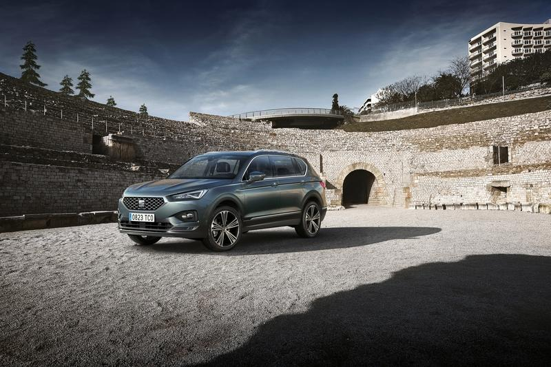 The 2018 SEAT Tarraco SUV Shows up in Paris with Eyes for the 2019 Skoda Kodiaq and 2019 Volkswagen Tiguan Allspace