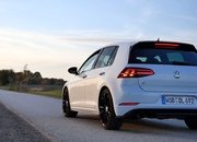 Watch a Golf 7 R Performance Pack Max Out at 163 MPH - image 802989
