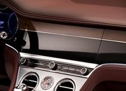 We Can't Get Enough of the Rotating Display in the Bentley Continental GT Convertible - image 806323
