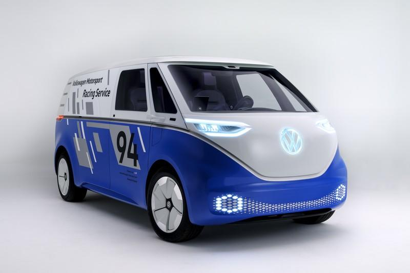 Moving towards electric cars, Volkswagen plans a 6% cut of his workforces by 2023 and 2,000 new software jobs positions.