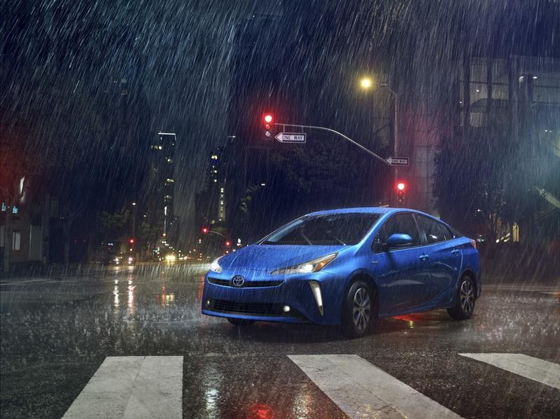Toyota Finally Offers the Prius with AWD in the U.S. Exterior - image 806622