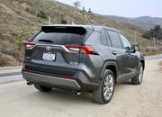 2019 Toyota RAV4 - Quirks and Features - image 805215