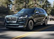 The New Lincoln Aviator Offers Third-Row Seating, Advanced Technology - image 806802