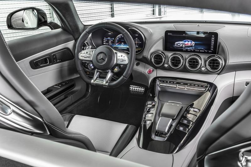 2020 Mercedes-AMG GT Interior - image 807110