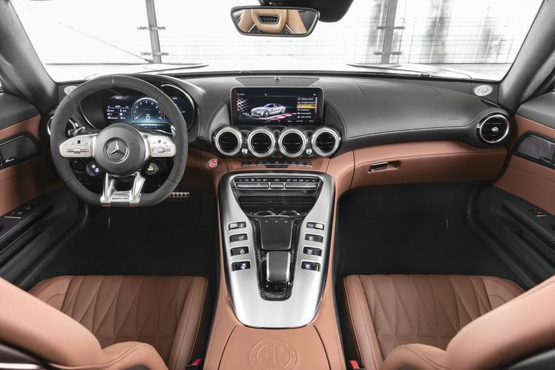 The Mercedes-AMG GT Shows Up in L.A. With DNA From the GT 4-Door Coupe Interior - image 807140