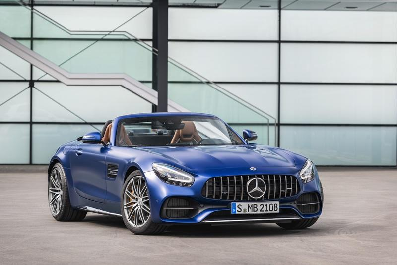 The Mercedes-AMG GT Shows Up in L.A. With DNA From the GT 4-Door Coupe Exterior - image 807104