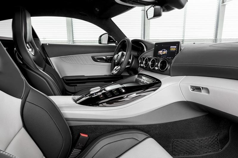 2020 Mercedes-AMG GT Interior - image 807107