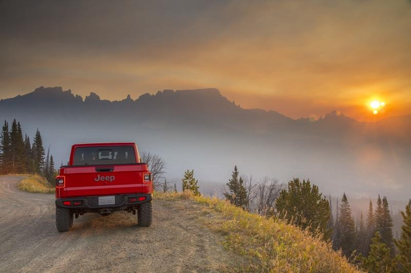 Wallpaper of the Day: 2020 Jeep Gladiator