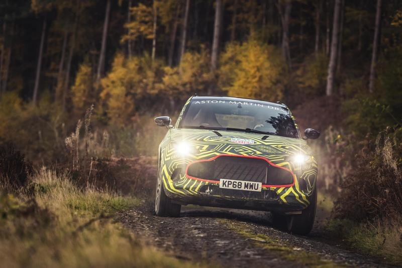 What do we know about the Aston Martin DBX Crossover? Exterior Spyshots - image 804543