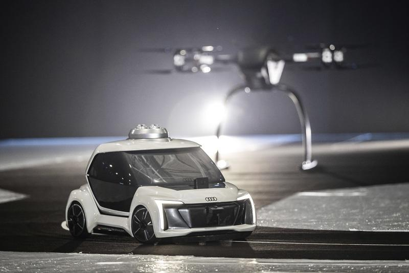 Audi's Flying Taxi Takes Off Successfully - image 807585