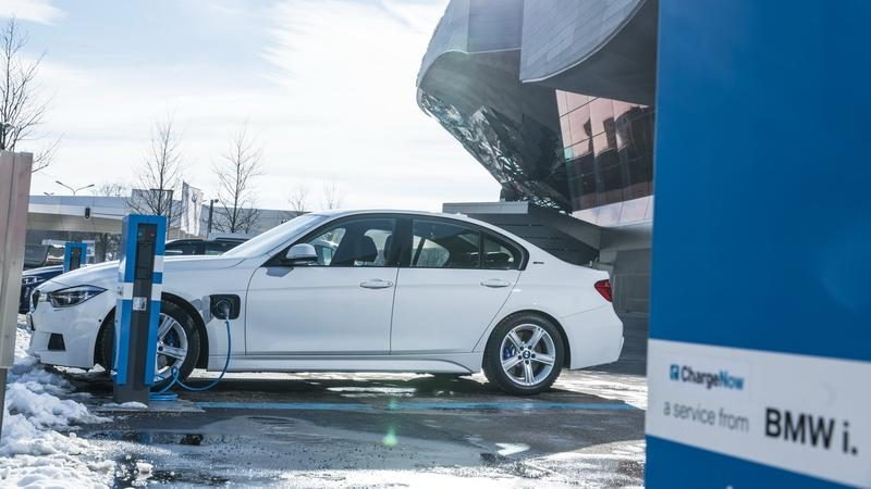 "BMW Says it can ""Force"" Your Hybrid Vehicle into Electric-Only Mode Inside Cities"