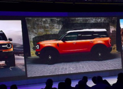 "Ford's ""Baby"" Bronco Leaked in Dealer Meeting Photos - image 804494"