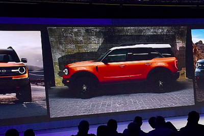 "Ford's ""Baby"" Bronco Leaked in Dealer Meeting Photos"