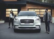 The New Lincoln Aviator Offers Third-Row Seating, Advanced Technology - image 806665