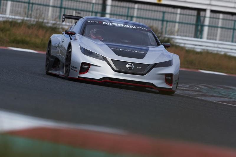 Why Can't the 2019 Nissan Leaf Look Like This Leaf Nismo RC?