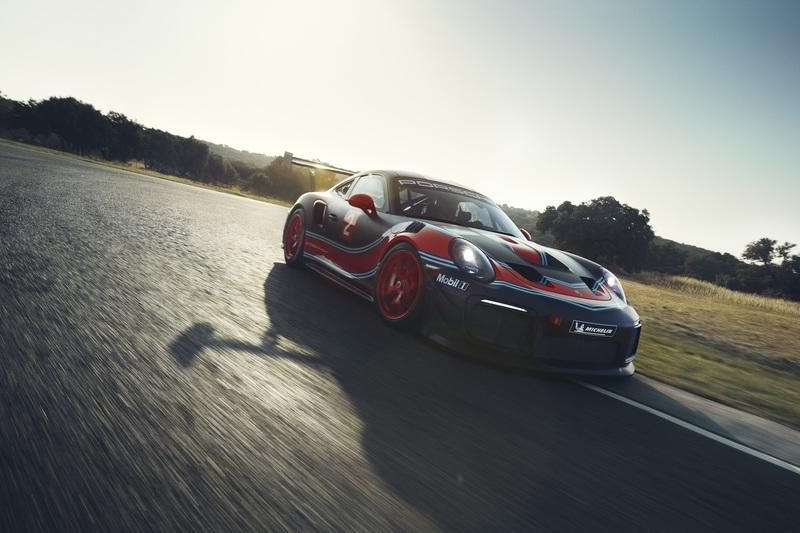Porsche 911 GT2 RS Clubsport is a good looking beast with 700 HP under the hood