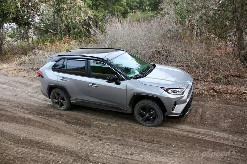 The 2019 Toyota RAV4 Is A Surprisingly Good Off-Roader ...