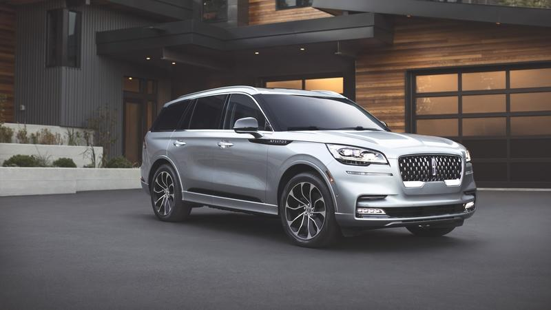The 2020 Lincoln Aviator, Lincoln's First Hybrid SUV, Is Impressively Powerful