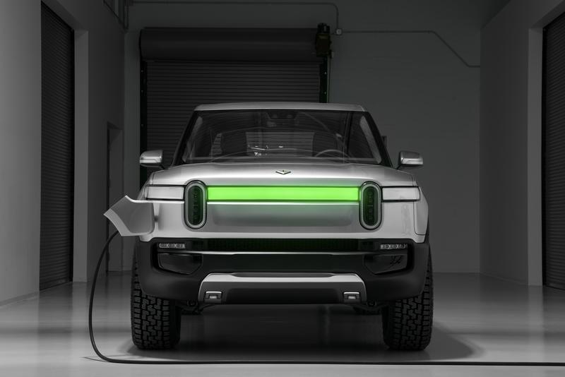 Rivian R1T Flexes Its Muscle With Eye-Popping Towing Capacity