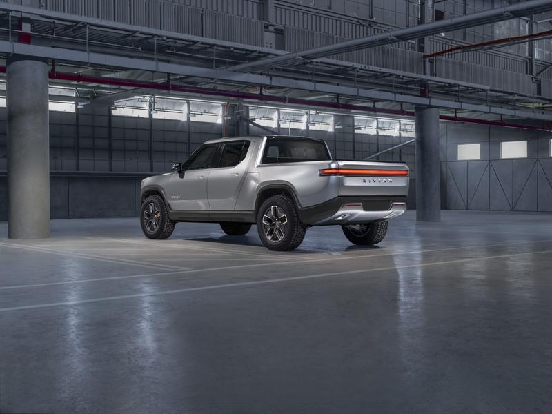 Ford, Rivian, or Tesla? The Electric Pickup Truck Battle Has Already Begun! Exterior - image 806385
