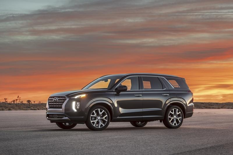The Hyundai Palisade is Here to Best the Toyota Highlander, Honda Pilot, and Nissan Pathfinder