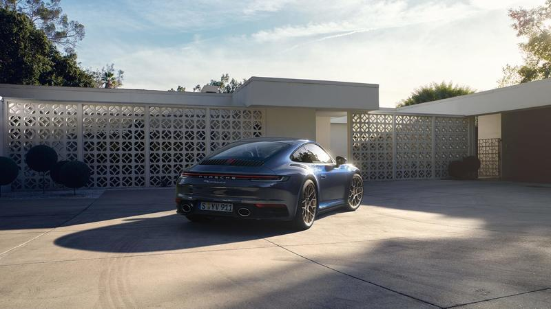 Wallpaper of the Day: 2020 Porsche 911