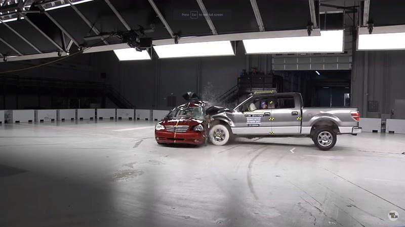 Watching This IIHS Simulation of a T-Bone Crash Will Inadvertently Exercise Your Sphincter Muscle