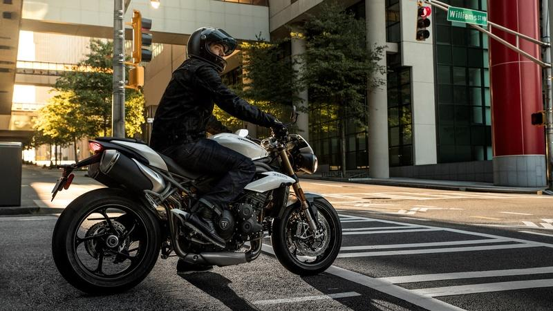 2018 - 2019 Triumph Speed Triple S / RS - image 811551