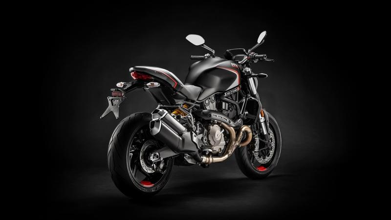 2019 Ducati Monster 821 Stealth - image 811537