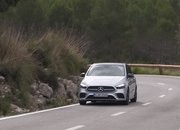 Check Out the First Video Reviews of the 2019 Mercedes B-Class - image 808377