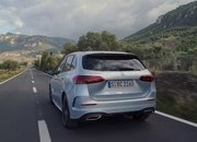 Check Out the First Video Reviews of the 2019 Mercedes B-Class - image 808379
