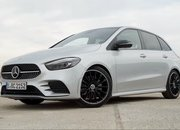 Check Out the First Video Reviews of the 2019 Mercedes B-Class - image 808384