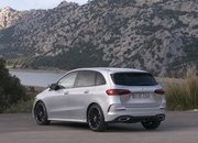 Check Out the First Video Reviews of the 2019 Mercedes B-Class - image 808378